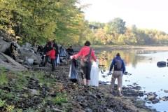 Journée du fleuve: une corvée de nettoyage des berges à RDP