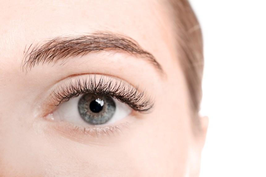 J'ai testé… le réhaussement des cils et la lamination des sourcils