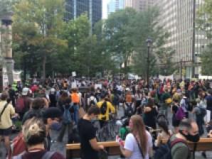 Rassemblement précédant la manifestation pour la justice climatique.