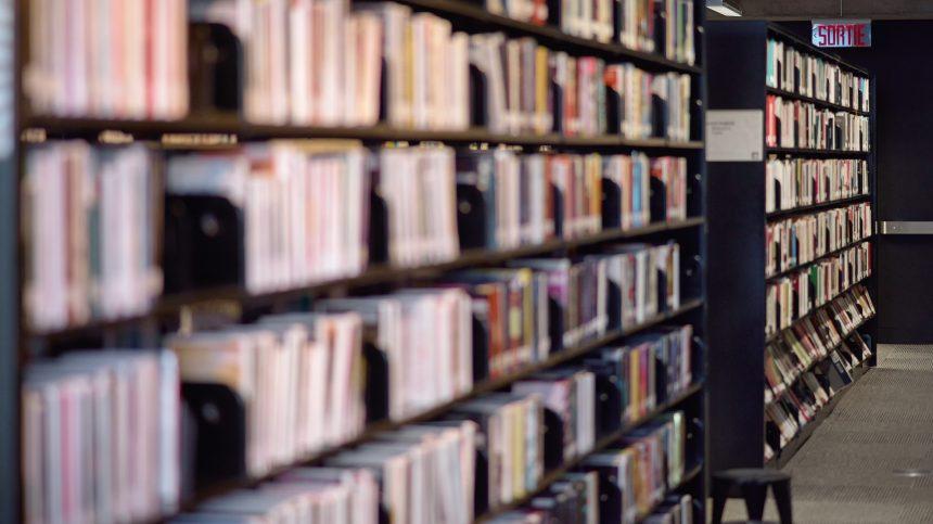 Les bibliothèques publiques partiellement ouvertes, malgré l'alerte rouge