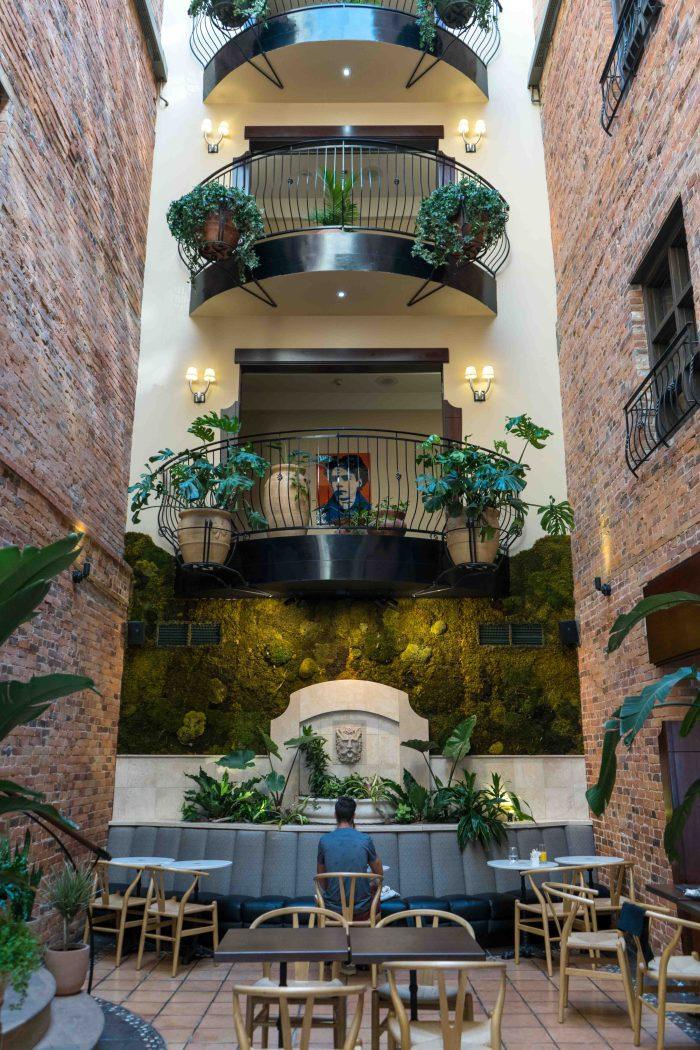 Atrium de l'hôtel Nelligan