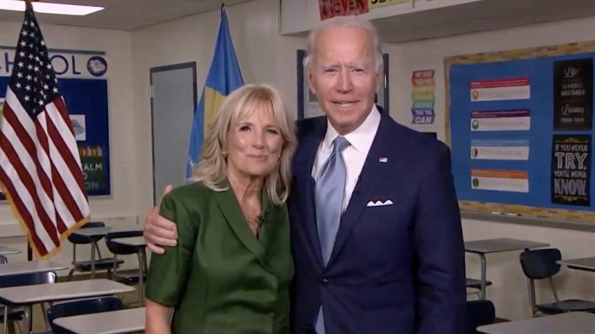 Jill Biden met à profit son métier d'enseignante en campagne électorale