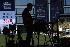 Trump et Biden croiseront le fer dans un premier débat télévisé mardi