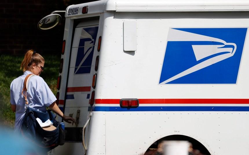 Des États contestent les changements au service postal