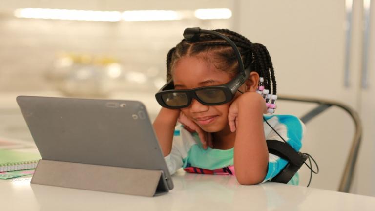Ces lunettes améliorent notre niveau de concentration de façon naturelle