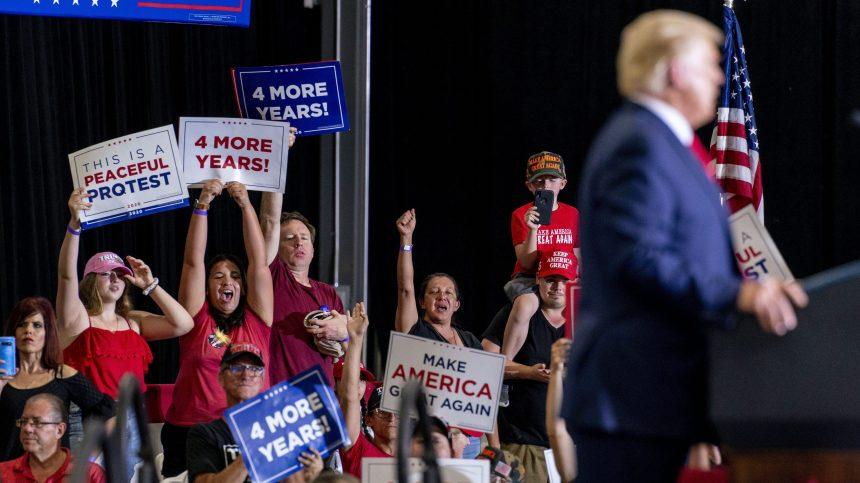 Les rassemblements politiques de Trump font fi des règles sanitaires