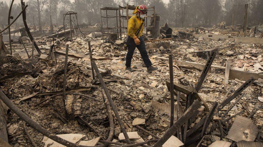 Le lien entre le réchauffement et les événements extrêmes est clair, dit Biden