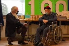 Un ancien combattant fête ses 100 ans entouré de ses proches