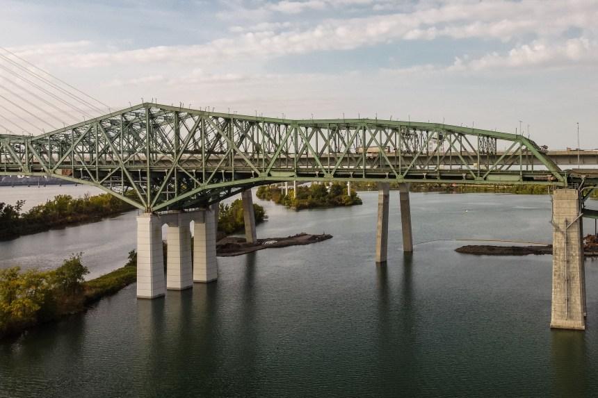 Démantèlement du pont Champlain, un travail de moine