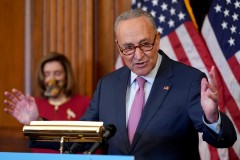 Les démocrates face à un dilemme sur l'enjeu d'un vaccin contre le coronavirus