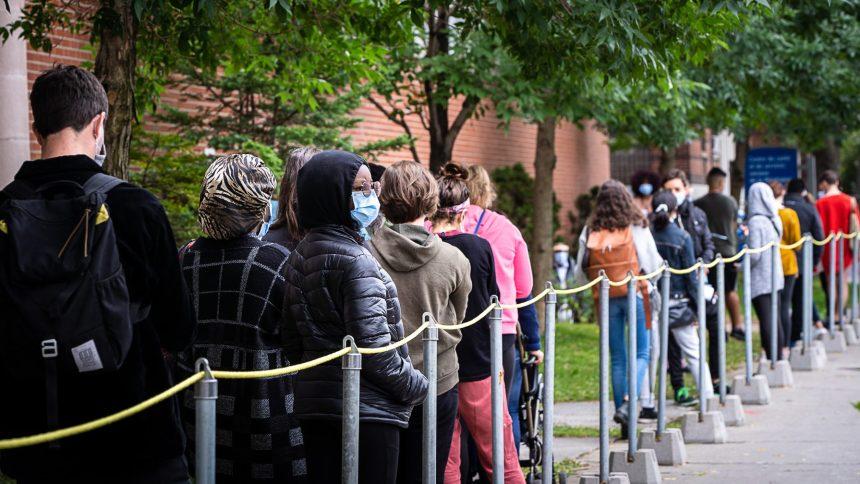 COVID-19: le Québec se rapproche de la barre des 1000 nouveaux cas