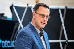 Propos controversés d'un professeur: des allégations «très troublantes», selon Roberge