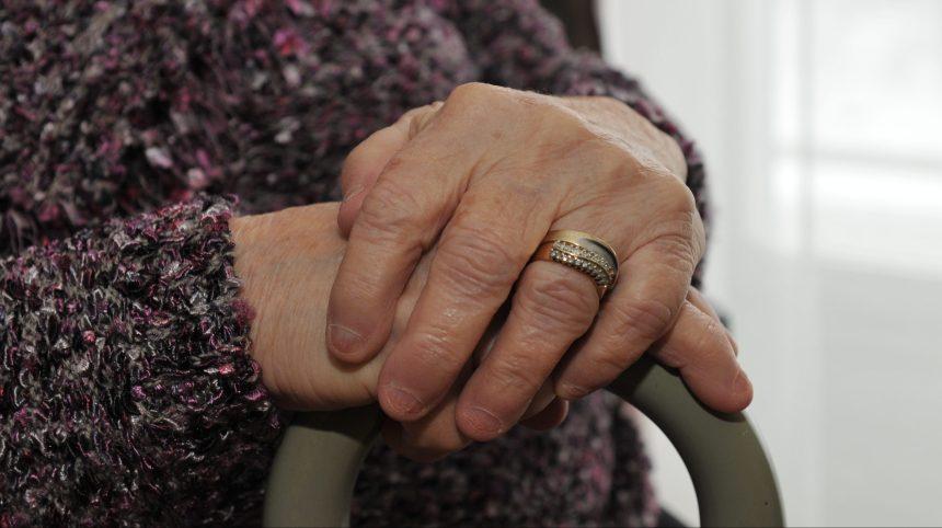Covid-19: quel avenir pour les résidences pour aînés?