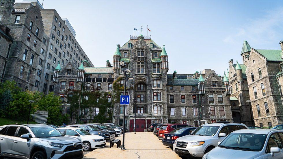 itinérants Montréal COVID-19 L'ancien hôpital Royal-Victoria