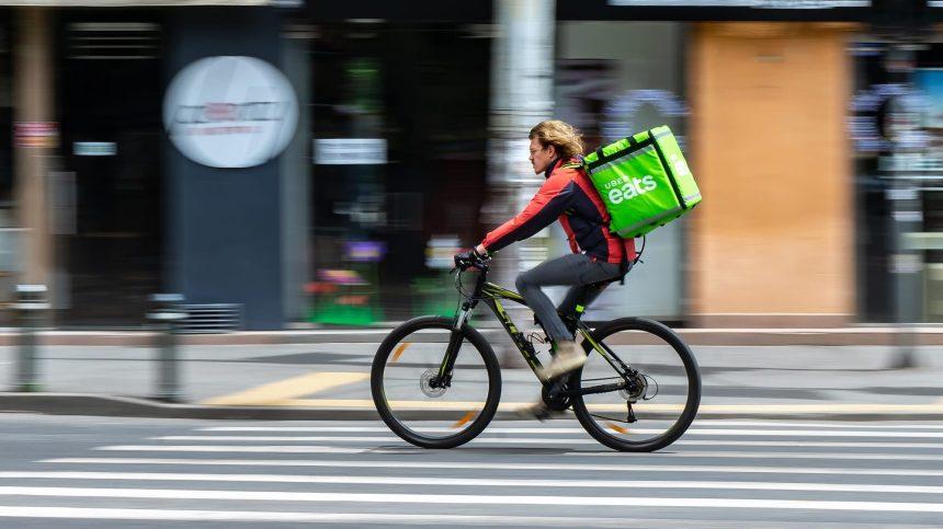 Plateformes de livraison: nouvel appel à geler les frais imposés aux restaurants