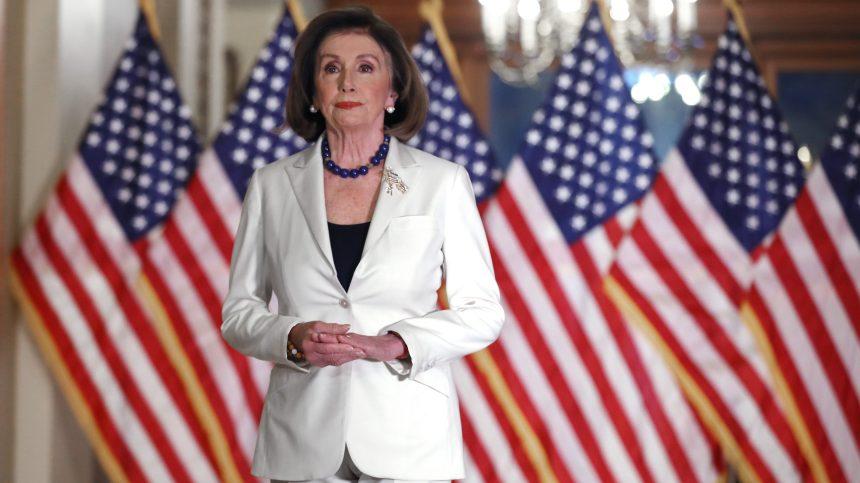 Pelosi met en doute l'aptitude de Trump à gouverner et invoque le 25e amendement