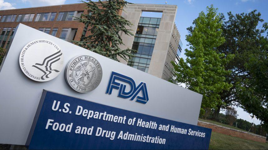La FDA publie ses exigences sur les vaccins malgré l'objection de la Maison-Blanche