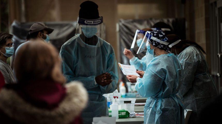 COVID-19: 963 nouveaux cas, 19 décès et des hospitalisations en baisse au Québec