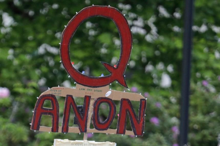 Facebook renforce ses mesures contre les adeptes de la conspiration QAnon