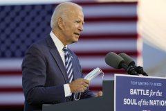 Biden promet à la fois la loi et l'ordre et une plus grande justice raciale