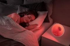 Dormez mieux grâce à cette lampe-veilleuse qui simule la lumière du soleil