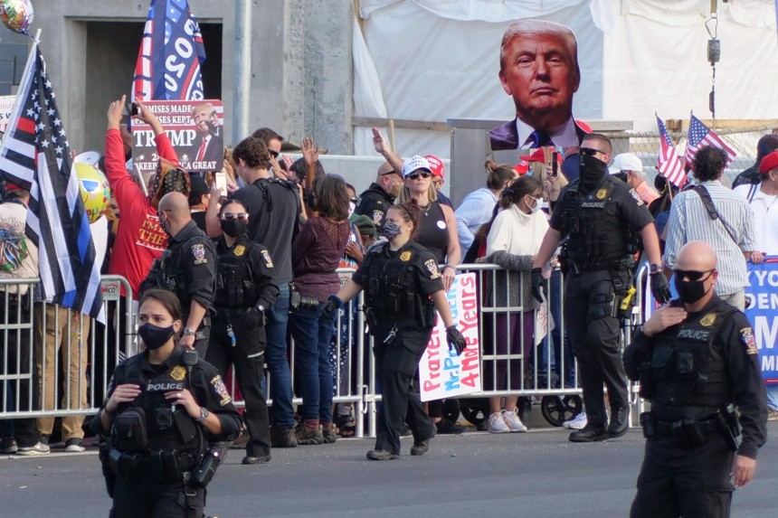 À surveiller: combien de temps durera la quarantaine de Donald Trump?