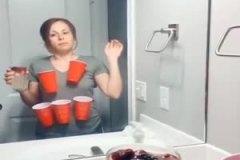 Jouer au « beer pong » en solo pour gagner sur toute la ligne
