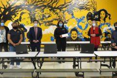 De nouveaux ordinateurs portables à l'école La Dauversière de Cartierville