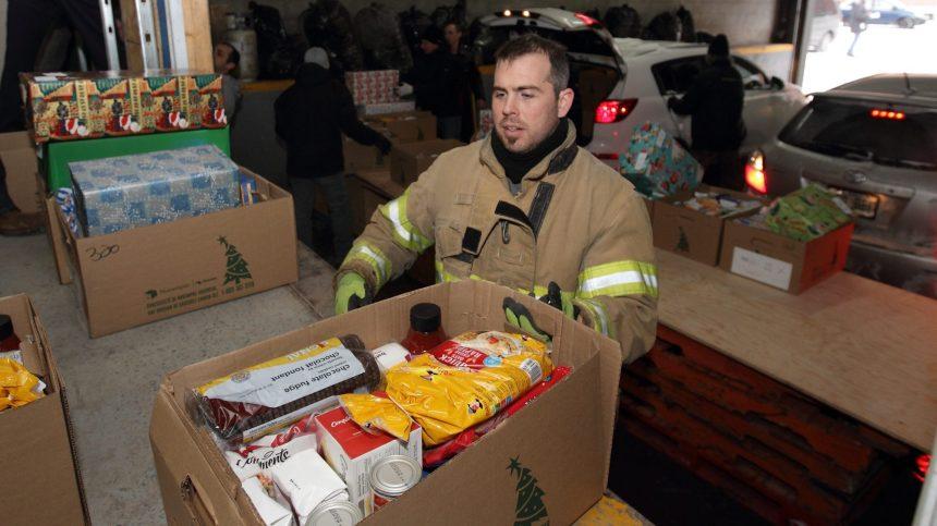 Covid-19: la collecte de jouets des pompiers remise en question