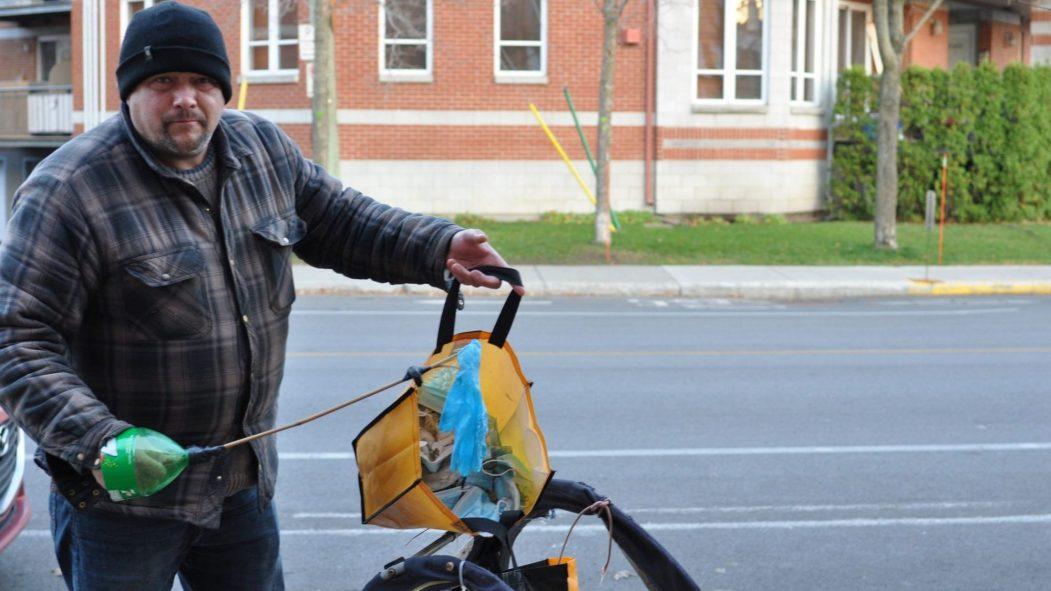 Jody Aveline a mis sur pied une pétition pour que la Ville installe des bacs pour collecter les EPI.