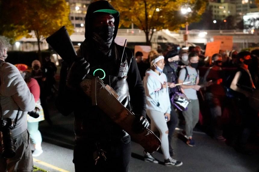 Manifestations de partisans et d'opposants à Trump après les élections