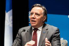 Complotistes dans des hôpitaux: Legault va aviser la police