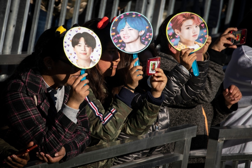 Les magazines de musique se mettent au coréen pour draguer les fans de K-pop