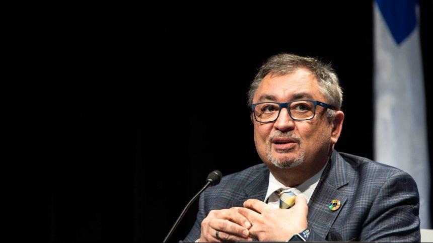 Restos fermés: une décision prise par le politique d'abord, selon Arruda