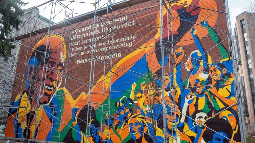 Une murale rendant hommage à Nelson Mandela dans le Sud-Ouest
