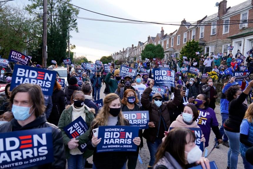 En votant, les électeurs jugent de la performance de Donald Trump