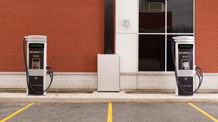 Des bornes de recharges électriques dans les stationnements des IGA