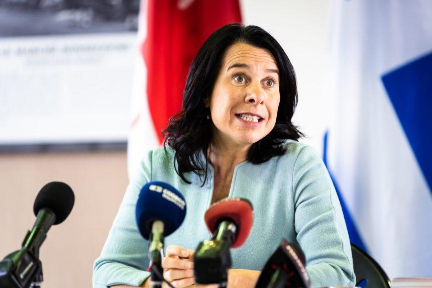 Commerces: Valérie Plante est préoccupée par les fermetures prolongées