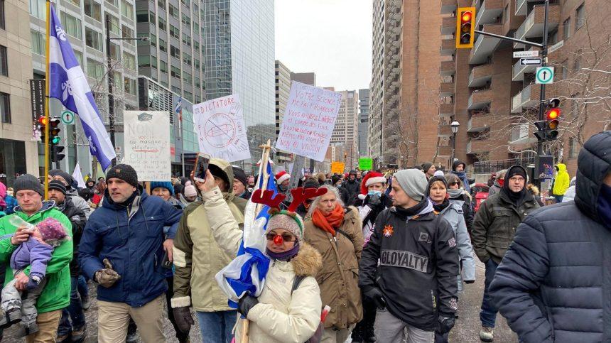 Manifestation contre les mesures sanitaires à Montréal