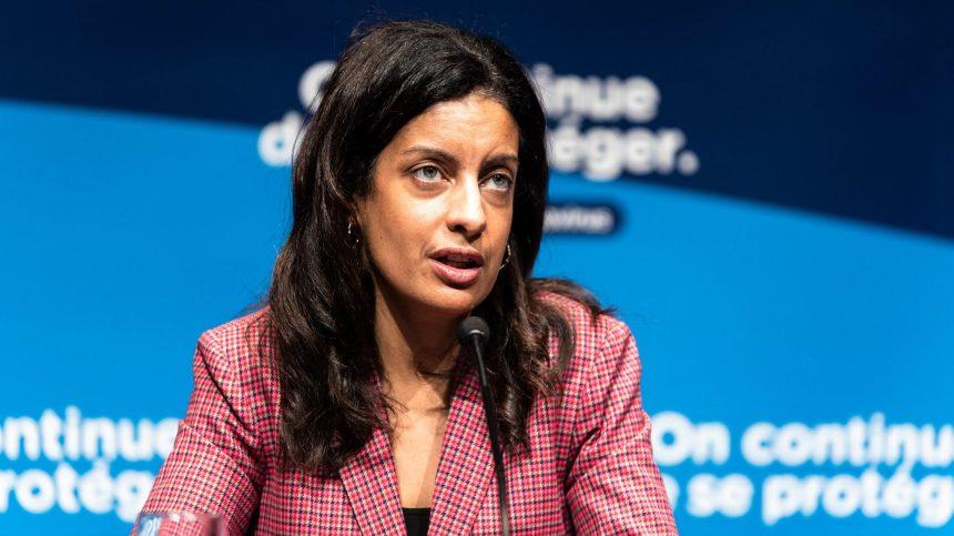 Resserrement: Québec agit à l'improviste, dénoncent les oppositions