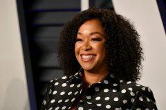 Avec «Bridgerton», la productrice Shonda Rhimes de «Grey's Anatomy» débarque sur Netflix