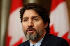 Voyages: des nouvelles mesures sont à venir bientôt, prévient Trudeau