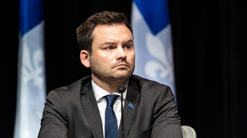 Itinérance: pas de capitaine à bord à Québec, dit St-Pierre Plamondon