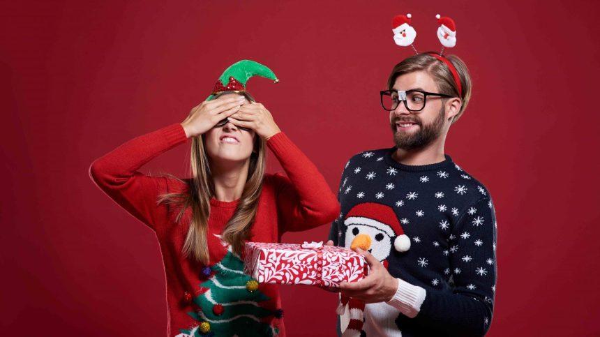 10 idées cadeaux loufoques pour rire un bon coup en ce Noël tristounet!