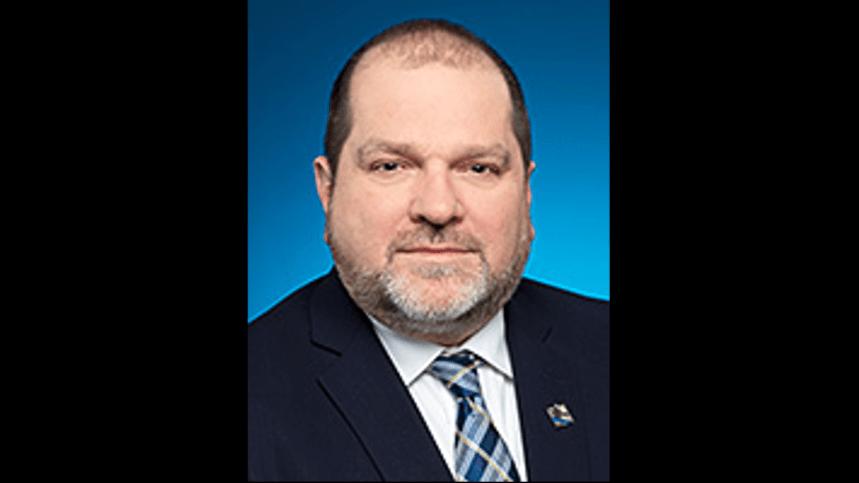 Un député du PQ arrêté pour agression sexuelle et exclu de son caucus