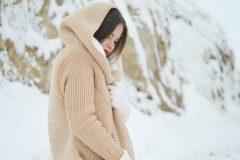 Des manteaux d'hiver pour survivre aux files d'attente