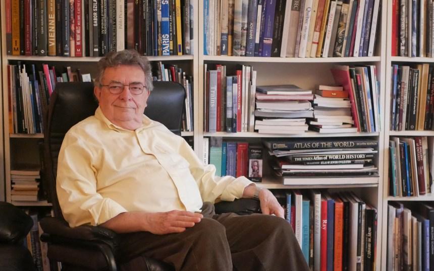 Paul-André Linteau: écrire pour épargner l'histoire de l'oubli