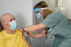 COVID-19 : les premiers vaccins sont arrivés dans l'Est