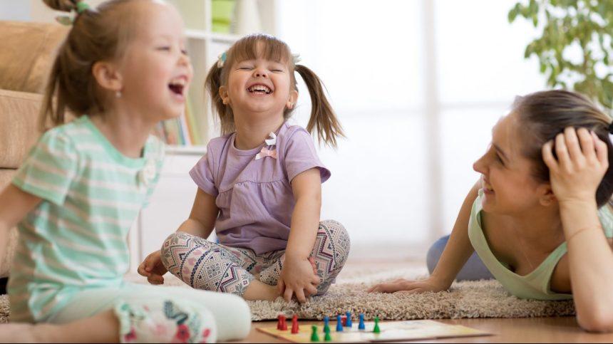 Cinq jeux de société pour apprendre en s'amusant