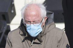 Une photo de Bernie Sanders inspire les artistes et enflamme le web